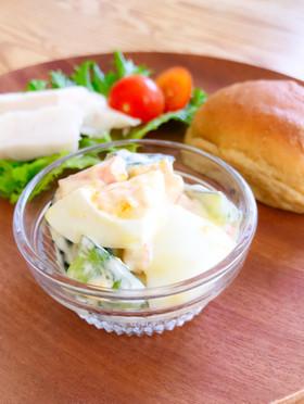 きゅうりとゆで卵とカニかまのマヨサラダ