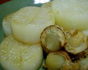 厚切りダイコンの煮物の写真