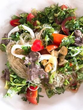 ダイエット◎ガッツリ味のタイ春雨サラダ