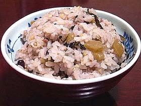 大根の葉で中華風十八穀炊き込み御飯