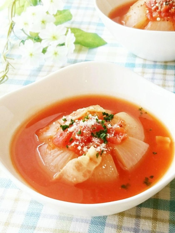 レンジで時短♪新玉ねぎ丸ごとトマトスープ