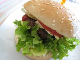 シンプルだけど結構食べてるハンバーガー