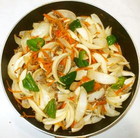 新たまねぎとひき肉の野菜炒め♪レモン風味