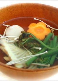 シンプルが美味しいわらびと筍のお吸い物