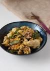 ご飯が進む春の味☆絹さや肉豆腐の卵とじ