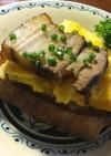 紅茶豚とスクランブルエッグのトースト