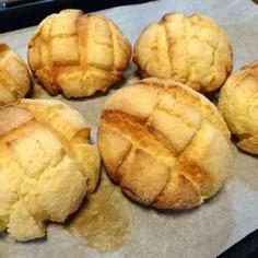バリッともちふわメロンパン