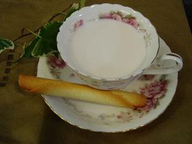 残り物、栗の渋皮煮シロップのミルク