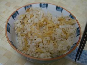カルシウムぱっちり♪桜海老ご飯