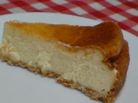 焼きたてはプリンみたいなチーズケーキ