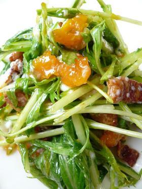 水菜とベーコンのサラダ。