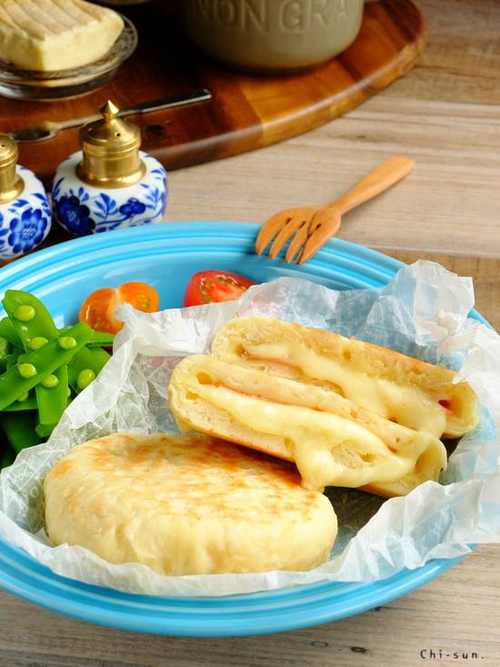 早くて簡単♡平焼きハム&チーズパン!