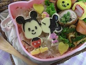 キュートなミッキー&ミニーのキャラ弁