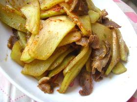 豚肉とハヤトウリの炒め物
