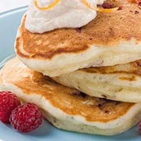 チアシードとラズベリーのパンケーキ