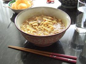 即席麺を使った、簡単カレーうどん