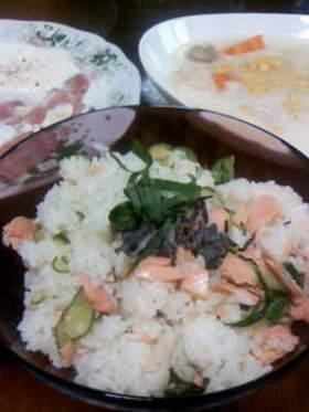さっぱり美味しい!キュウリと鮭の混ぜご飯