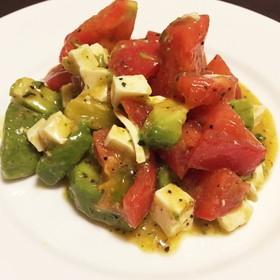 簡単!本格的!トマトとアボカドサラダ