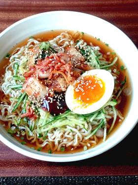 袋麺で☆韓国冷麺風☆キムチ冷やしラーメン