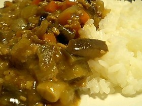 野菜たっぷりひき肉カレー
