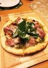 自宅で簡単 生ハムとルッコラのチーズピザ