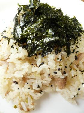 松茸の味お吸いものとツナの炊き込みごはん