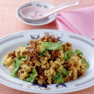 牛肉とレタスのカレー炒飯