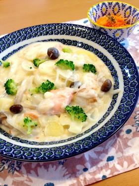 子どもも大好き♡銀鮭とポテトのクリーム煮