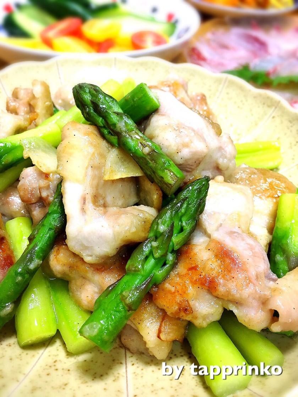 絶品♡アスパラ&鶏もも肉のガリバター炒め