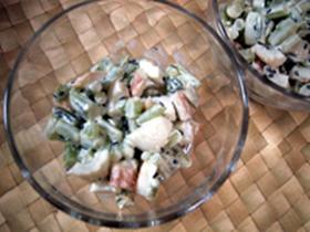 美味☆大根葉の茎とチクワの絶品サラダ