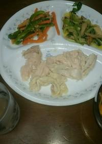 簡単、保存もきく鶏むね肉の炊飯器コンフィ
