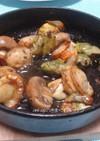 空豆とホタテとマッシュルームのアヒージョ