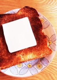 食パンに塗りやすい!バターの切り方