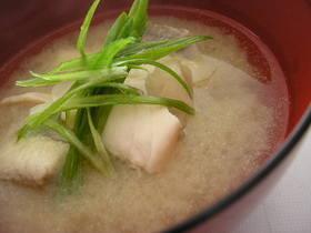 手抜きで簡単美味しい魚のお味噌汁