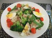 温野菜サラダの万能アンチョビソースかけの写真