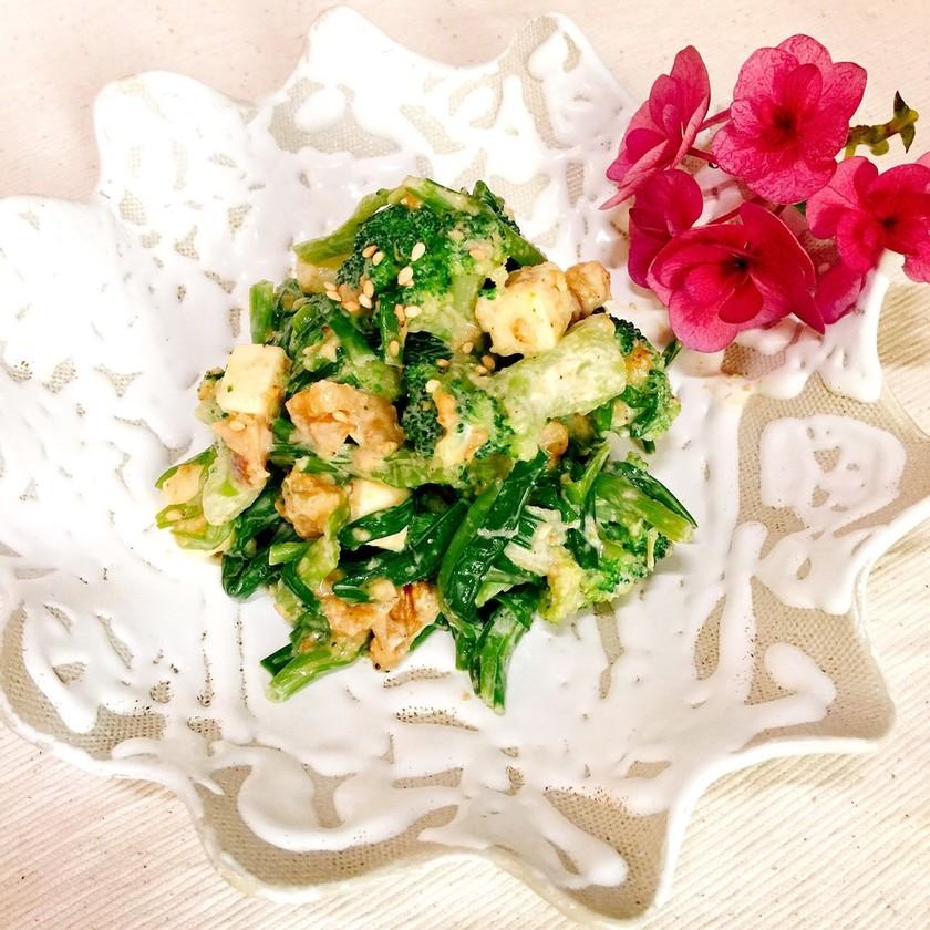 ニラとブロッコリーの美肌サラダ