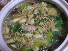 豚肉と青梗菜のゴマ味噌味のあったか鍋