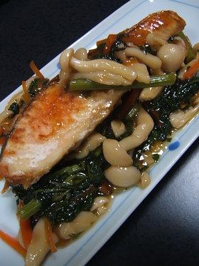 焼き塩鮭の野菜あんかけ添え