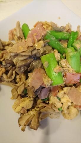 舞茸とアスパラガスの玉子炒め