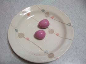 かわいい!ピンクのゆで卵♪