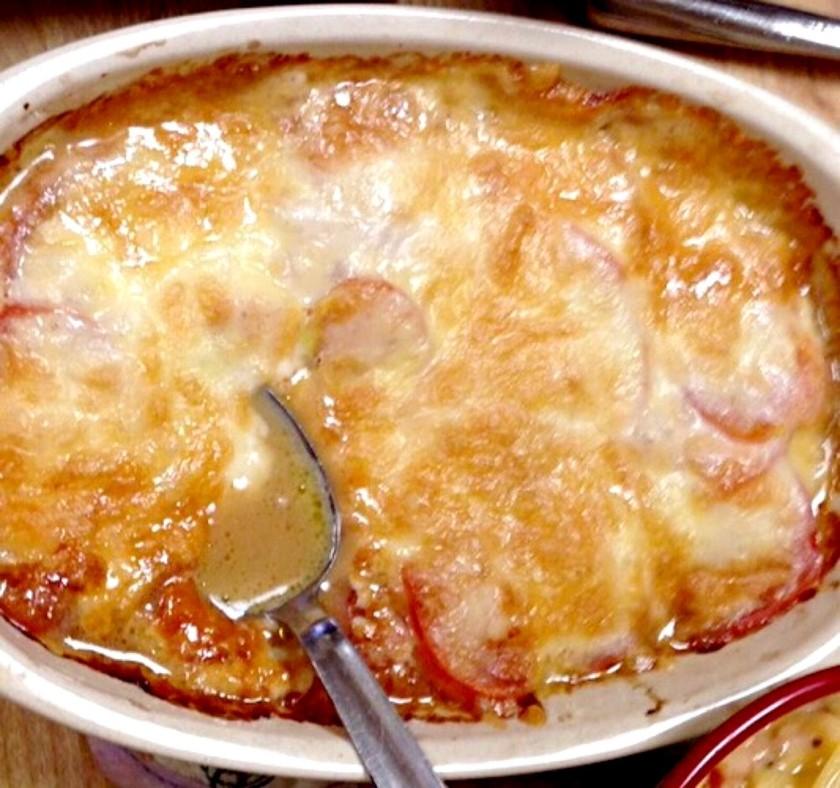 材料3つ トマトのチーズ焼き