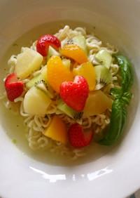インスタント麺ランチ♡炭酸水×フルーツ