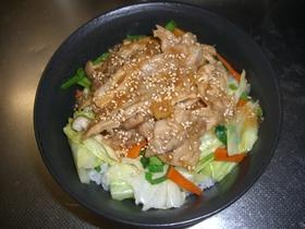 野菜がっつり!豚のしょうが焼き丼。