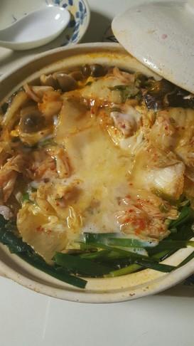 簡単!はじめから締めのキムチ鍋雑炊