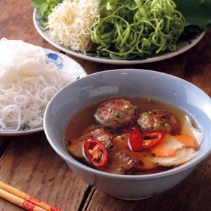 ブン・チャー(つくねと焼き肉のつけ麺)
