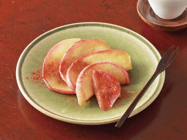 焼きりんごのシナモンがけ