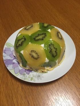 キウイのドームケーキ