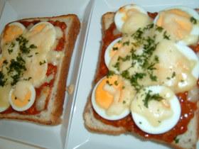 ミート卵チーズトースト