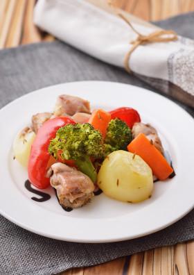 ココナツオイルで鶏と野菜のオーブン焼き
