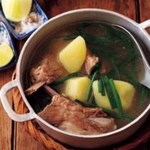 じゃがいもとスペアリブのスープ